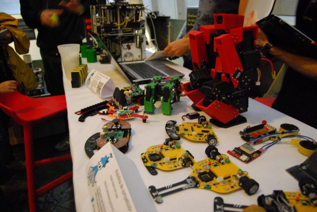 Robótica de competición OSHWdem 2016
