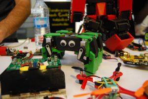 mini kame robot OSHWDem 2016