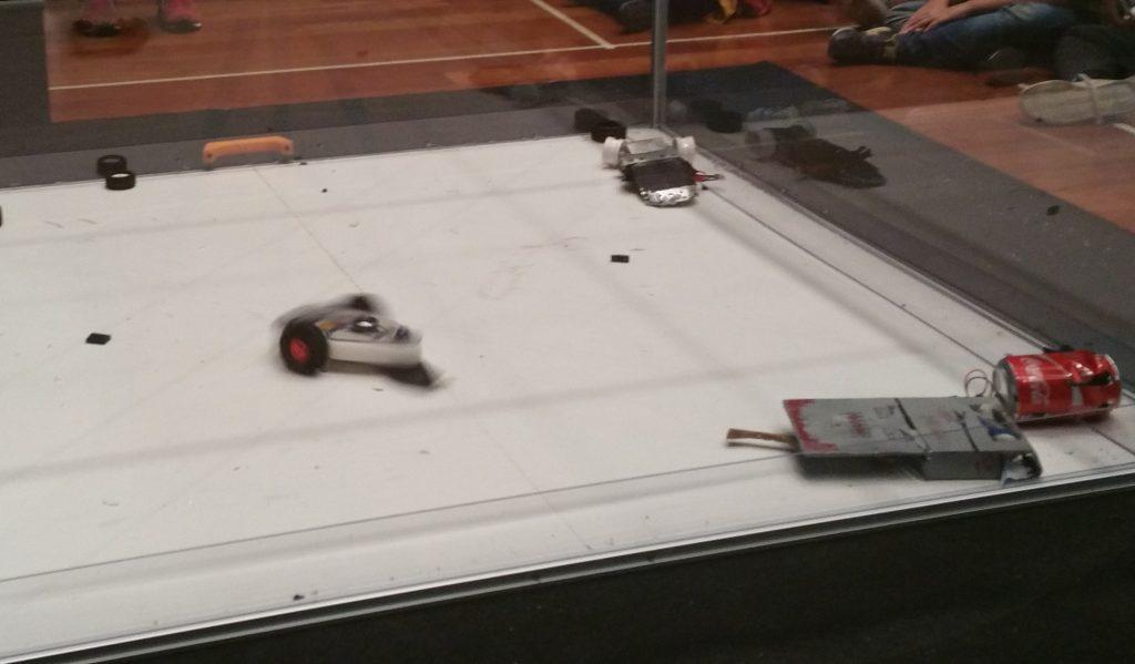 Combate de robots OSHWDem