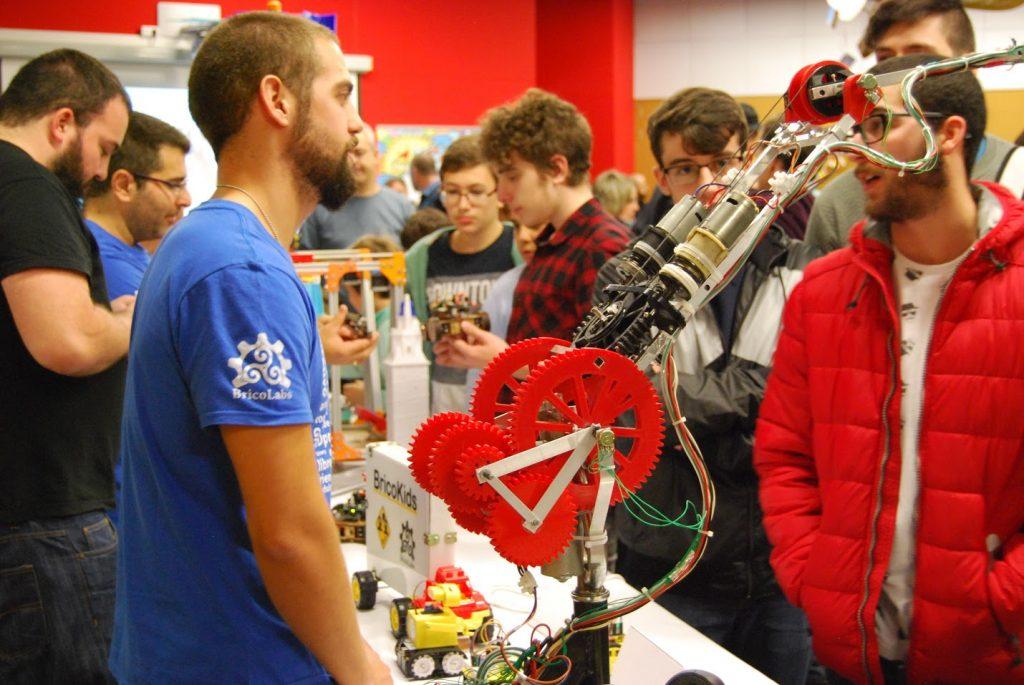Brazo robótico Exposición OSHWDem