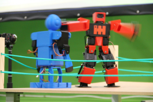 raider1, charla de robots humanoides OSHWDem 2017
