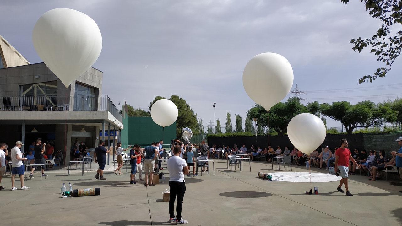 Foto de lanzamiento de globos estratósfericos